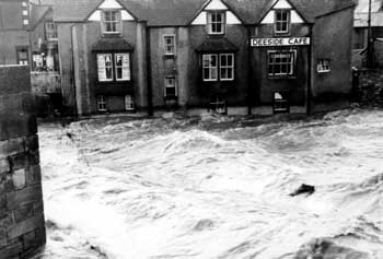 River Dee 1964 flood Photos North Wales Rivers